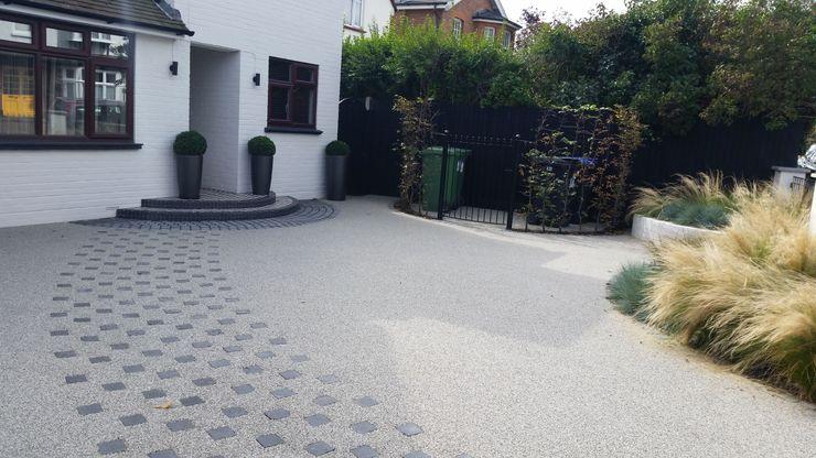 Front Garden Design Woking, Surrey homify Taman Modern