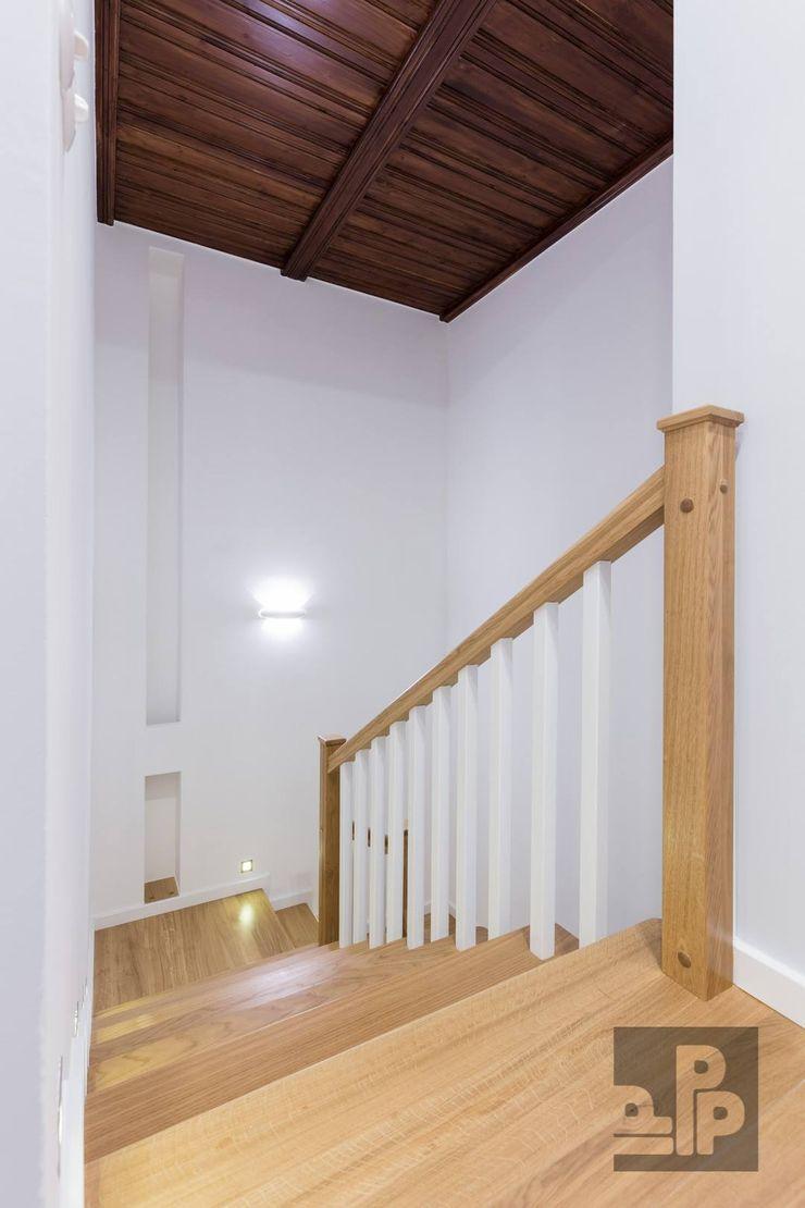 Pogotowie Projektowe Aleksandra Michalak Eclectische gangen, hallen & trappenhuizen
