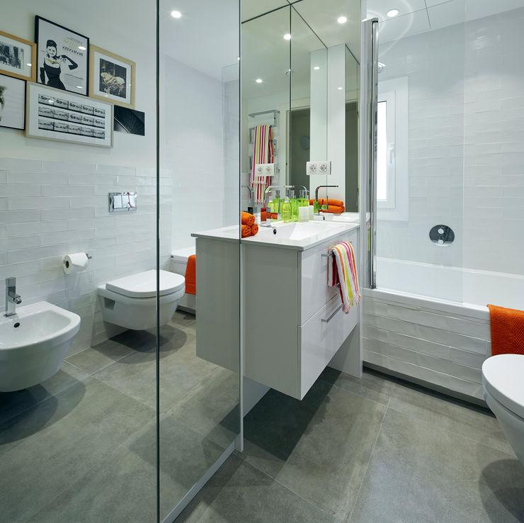 Molins Design Modern style bathrooms