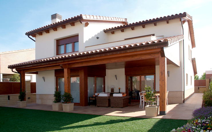 RIBA MASSANELL S.L. Mediterranean style houses Wood Wood effect