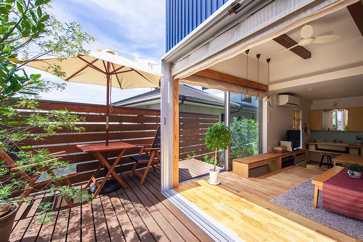 祐建築設計事務所 Modern balcony, veranda & terrace