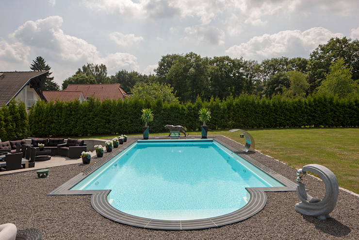 Gartenpool mit Römischer Treppe Hesselbach GmbH Ausgefallene Pools