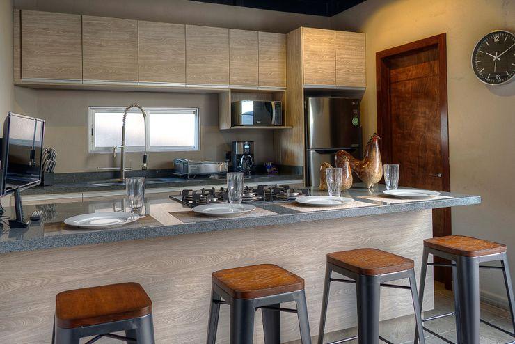 Con Contenedores S.A. de C.V. Industrial style kitchen