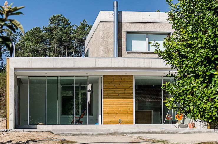 Fernández Luna Oficina de Arquitectura SCP Industrial style houses