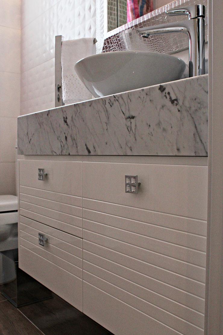Daiana Oliboni Design de Interiores Modern Bathroom White