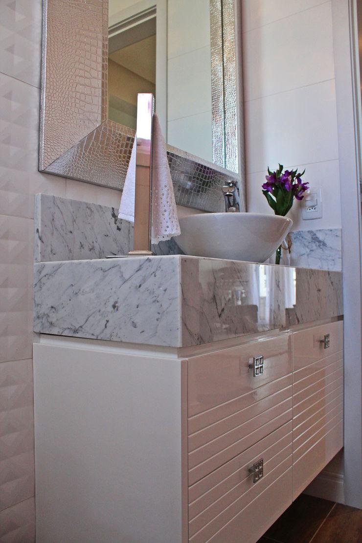 Daiana Oliboni Design de Interiores Modern Bathroom MDF White