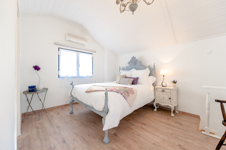 alma portuguesa Country style bedroom