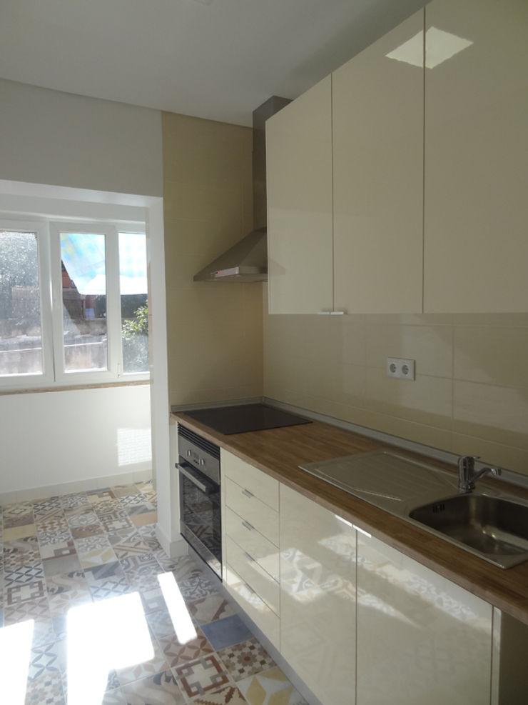 Happy Ideas At Home - Arquitetura e Remodelação de Interiores Cocinas de estilo moderno