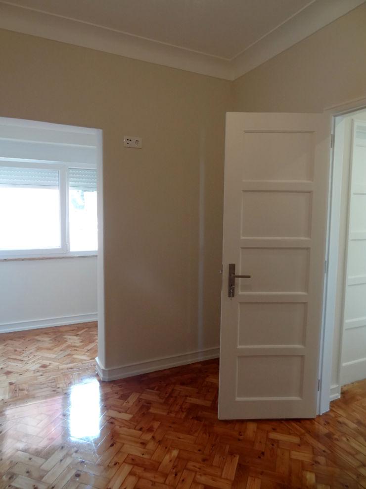 Happy Ideas At Home - Arquitetura e Remodelação de Interiores Dormitorios de estilo moderno