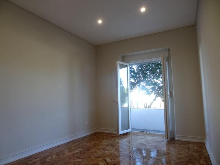 Happy Ideas At Home - Arquitetura e Remodelação de Interiores Salones de estilo moderno