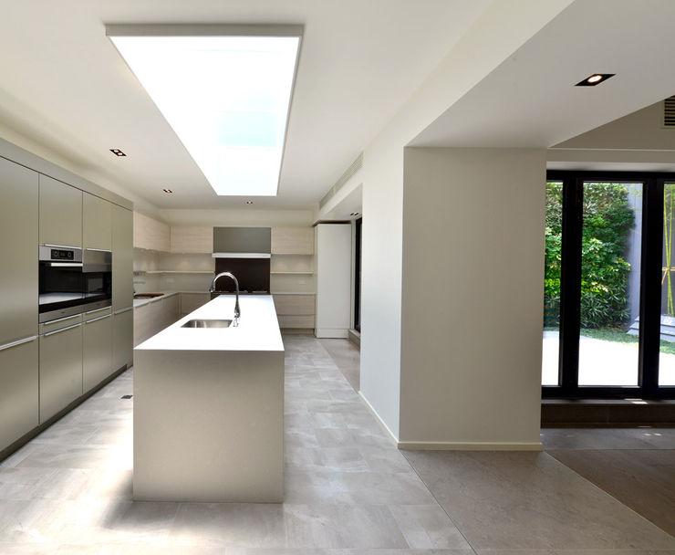 THE RIBBON HOUSE FAK3 Minimalist kitchen