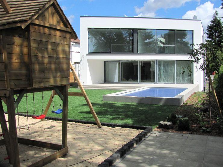 Hesselbach GmbH Modern style gardens