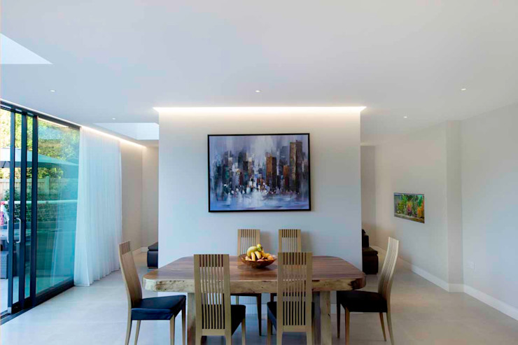 Hadley Wood—North London New Images Architects Modern dining room