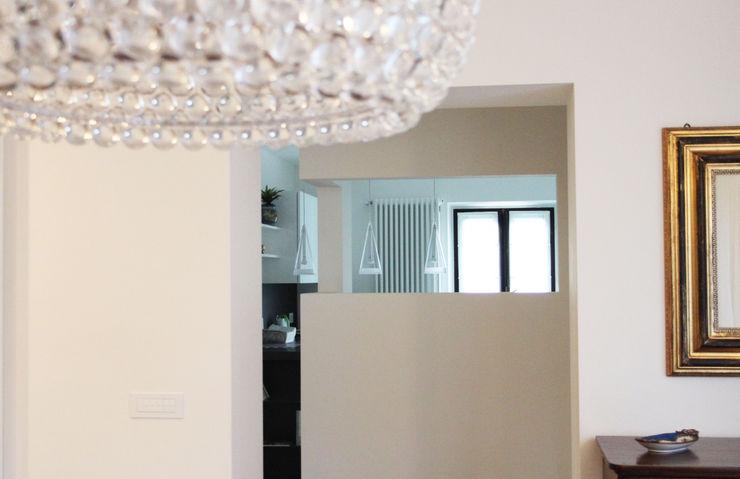 Relooking appartamento datato SuMisura Sala da pranzo moderna