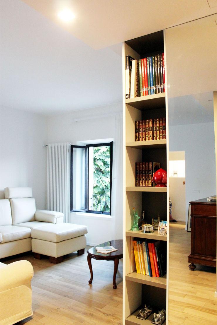 Relooking appartamento datato SuMisura Soggiorno moderno
