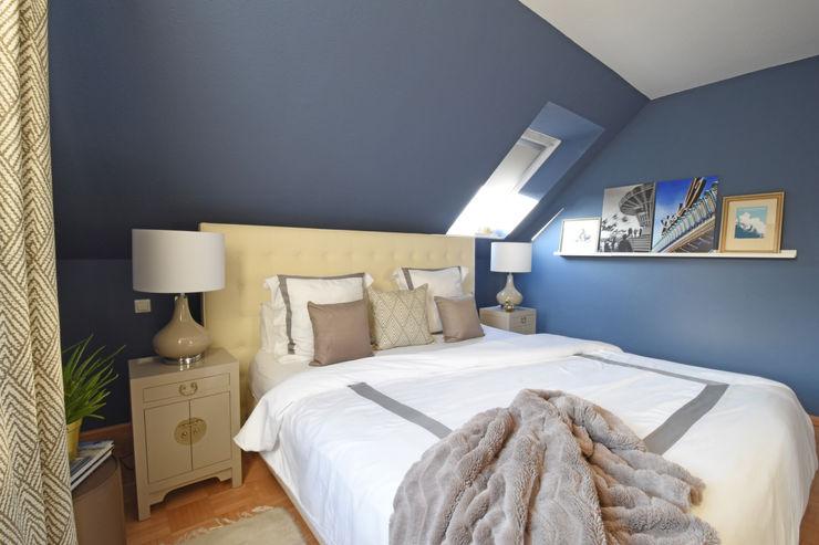 Kleines Schlafzimmer in dunkelblau Homemate GmbH Klassische Schlafzimmer Blau