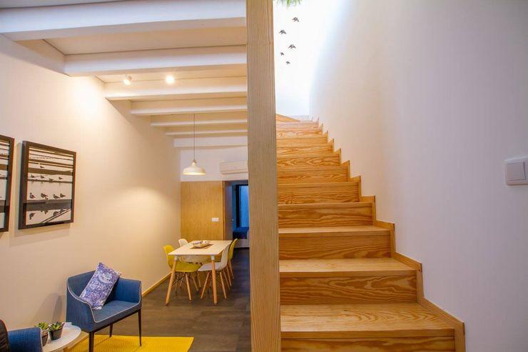 GRAU.ZERO Arquitectura 모던스타일 복도, 현관 & 계단