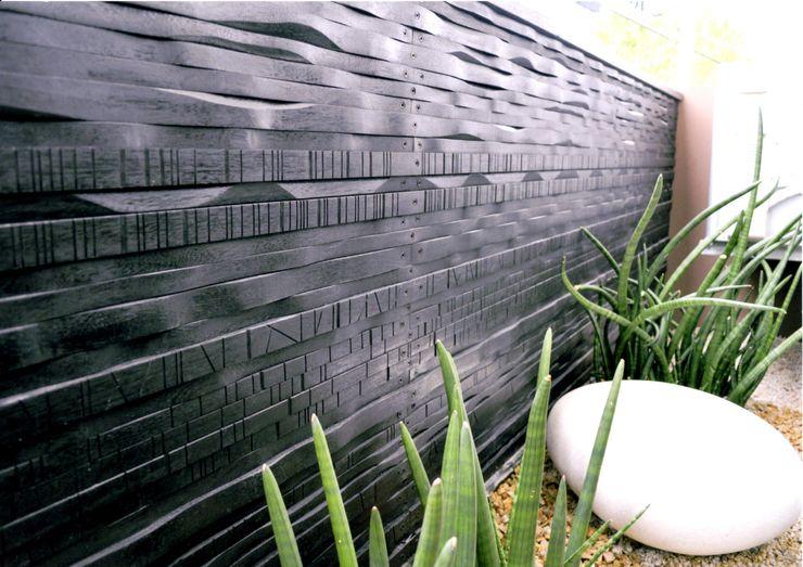 艸木/SOUMOKU Jardines de estilo ecléctico Madera Negro