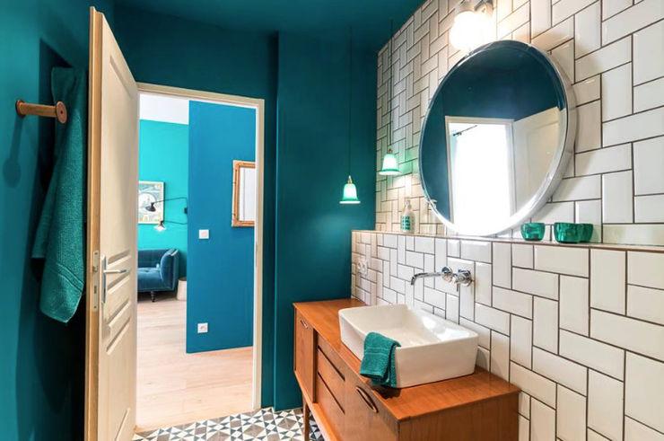 Insides Scandinavian style bathroom Blue