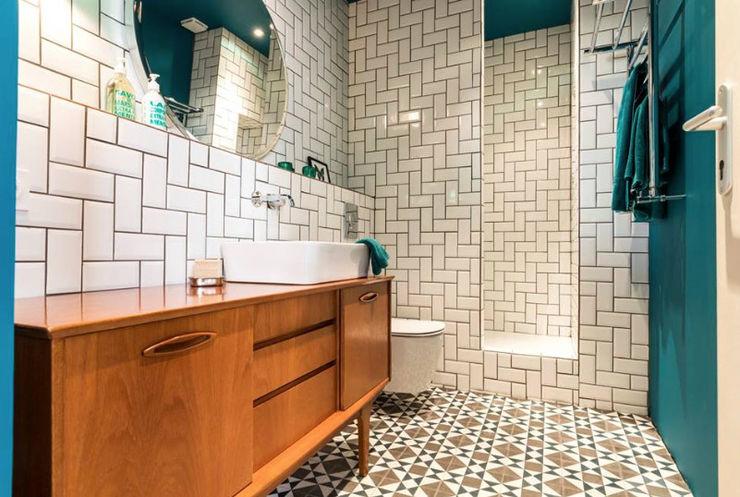 Blue Velvet Insides Salle de bain scandinave Blanc