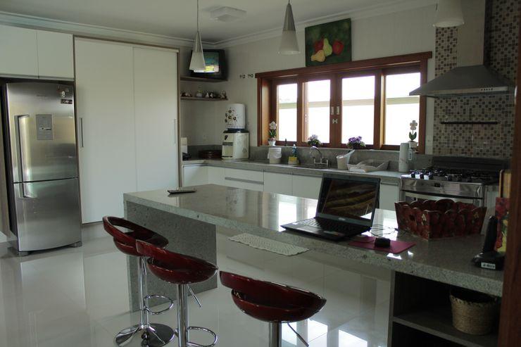 Lozí - Projeto e Obra 現代廚房設計點子、靈感&圖片