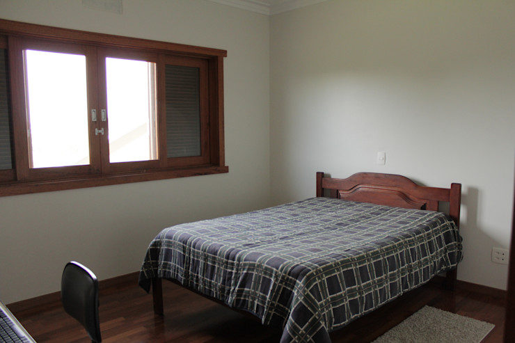 Lozí - Projeto e Obra Camera da letto in stile rustico