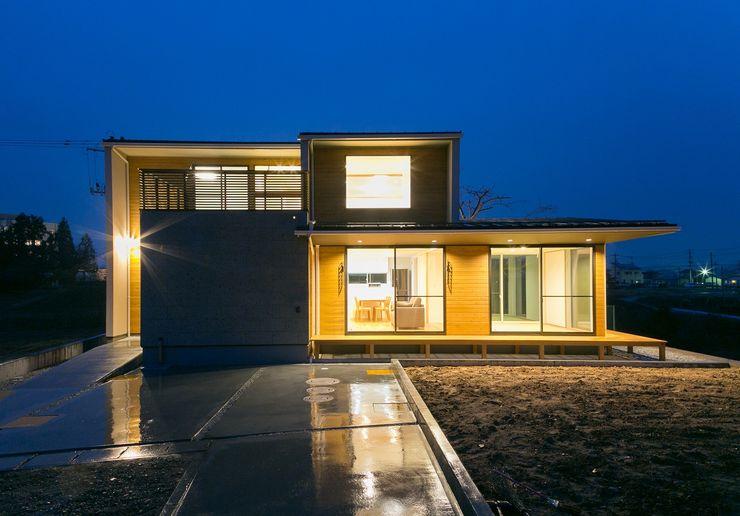 TKD-ARCHITECT Modern houses Wood