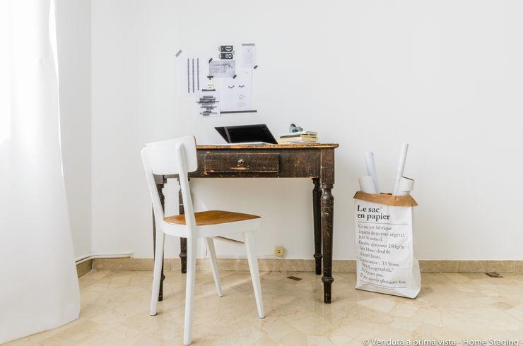 Venduta a Prima Vista Study/office