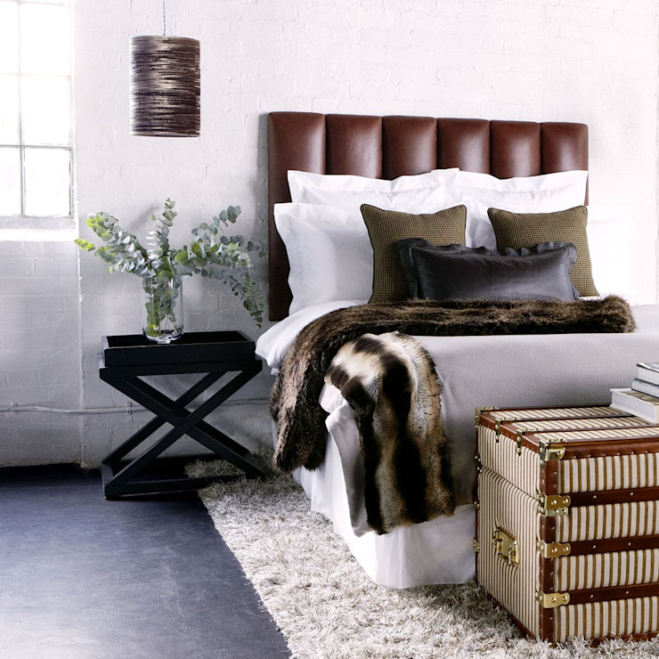 Conexo. Dormitorios de estilo moderno Mármol Marrón