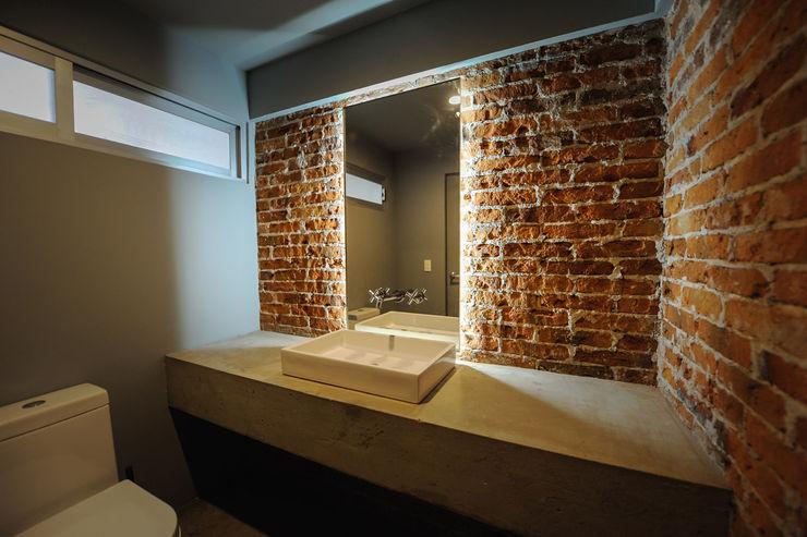 MCI DF - P+0 Arquitectura pmasceroarquitectura Baños de estilo moderno Hormigón