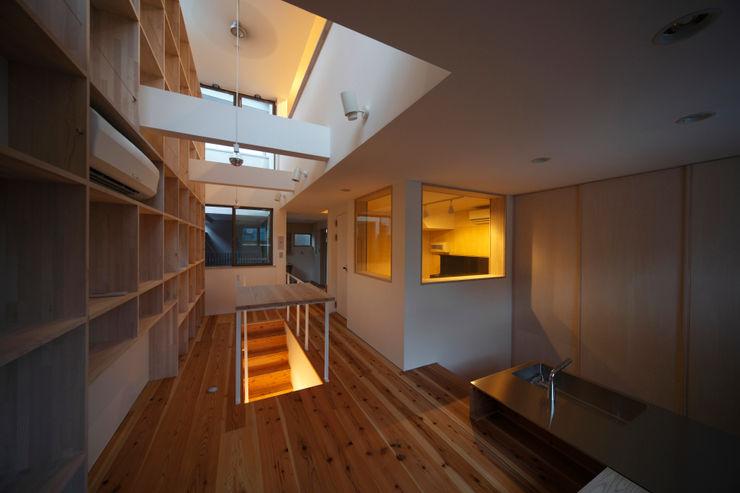 音楽室のある家 一級建築士事務所FORMA オリジナルデザインの 多目的室 木 白色