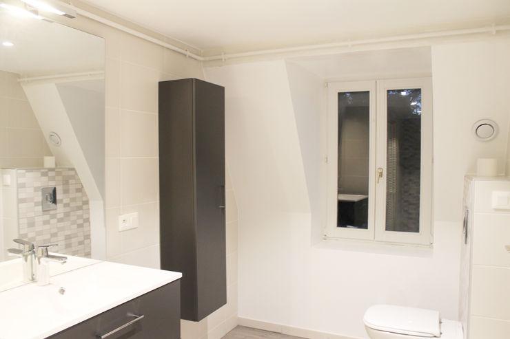 meubles Agence ADI-HOME Salle de bain moderne Bois composite Gris
