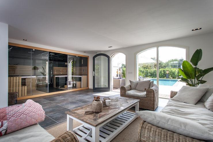 Ontwerp wellnessruimte en aangrenzende tuin Bob Romijnders Architectuur + Interieur Moderne spa's