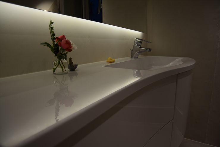 Feng Shui Ulrich holz -Baddesign Klassische Badezimmer Weiß