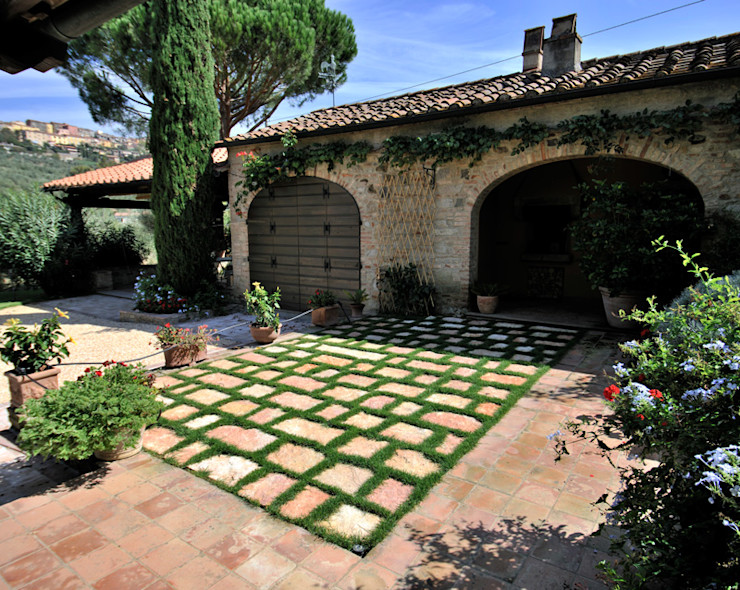 Arte Pietra Rustic style garage/shed Stone