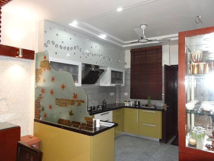 Villa Interiors at Ghaziabad Ar. Sandeep Jain Modern kitchen