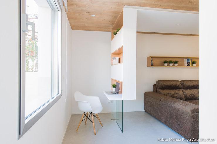 Refurbishment for Cristina & Juan Carlos Pablo Muñoz Payá Arquitectos 書房/辦公室