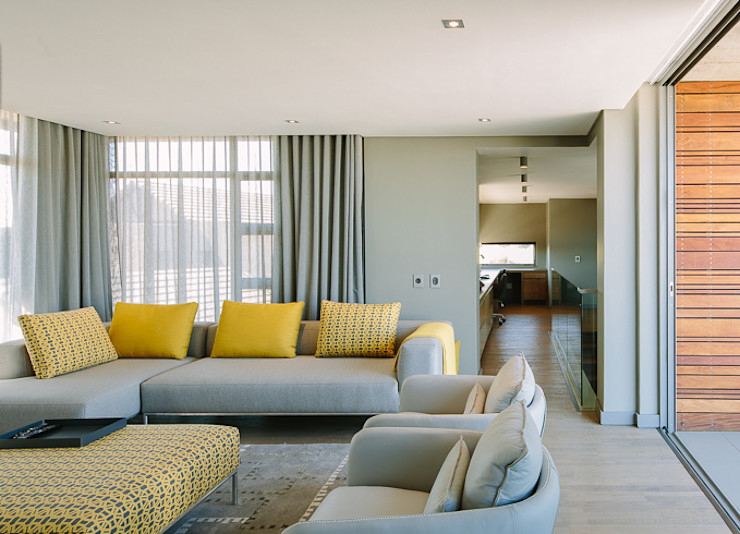 House Serengeti www.mezzanineinteriors.co.za Modern living room
