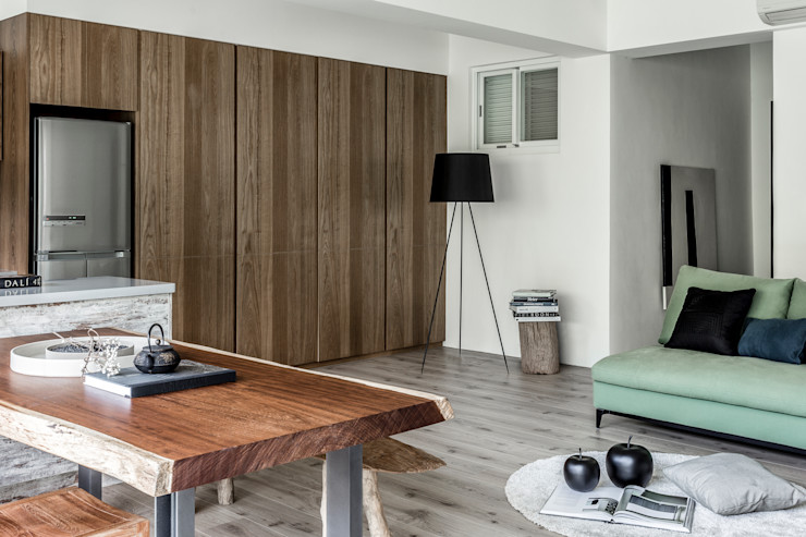 潤澤明亮設計事務所 Living room Solid Wood Brown