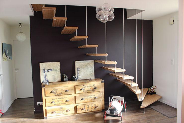 Escalier bois et sa harpe Passion Escaliers Couloir, entrée, escaliers modernes