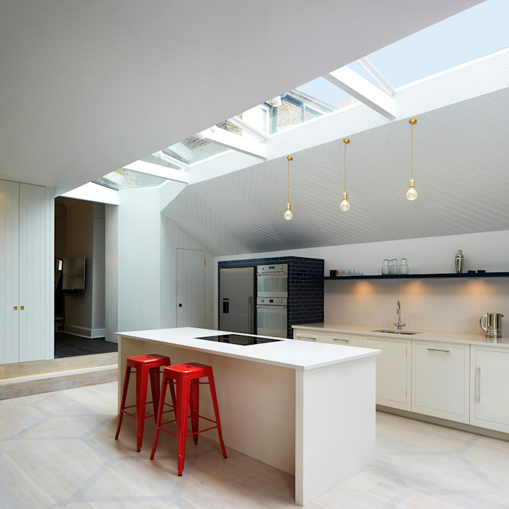 The Slate House Gundry & Ducker Architecture Modern kitchen Wood White