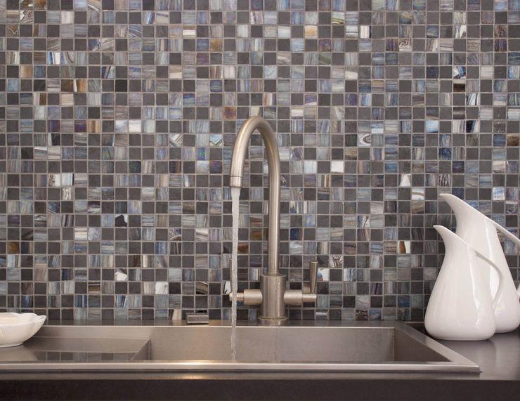 Earth Stone & Glass Mosaic Tiles homify Walls & flooringTiles
