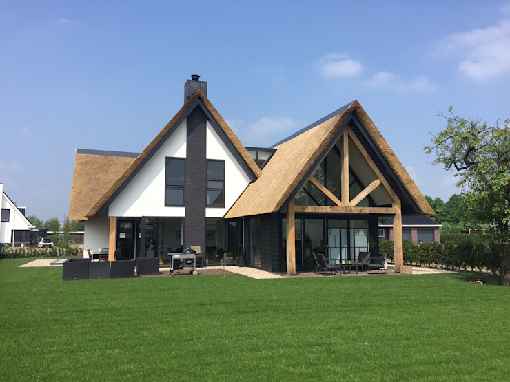 Bongers Architecten Casas de estilo rural