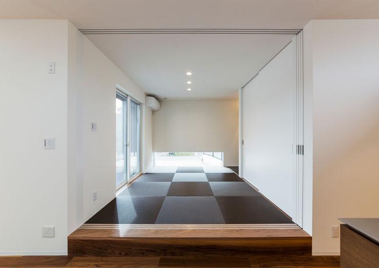 中村建築研究室 エヌラボ(n-lab) 모던스타일 미디어 룸 우드 멀티 컬러