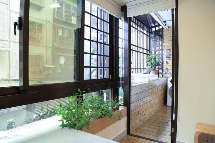 日光森活‧三十年老屋新生命 微自然室內裝修設計有限公司 Modern Terrace
