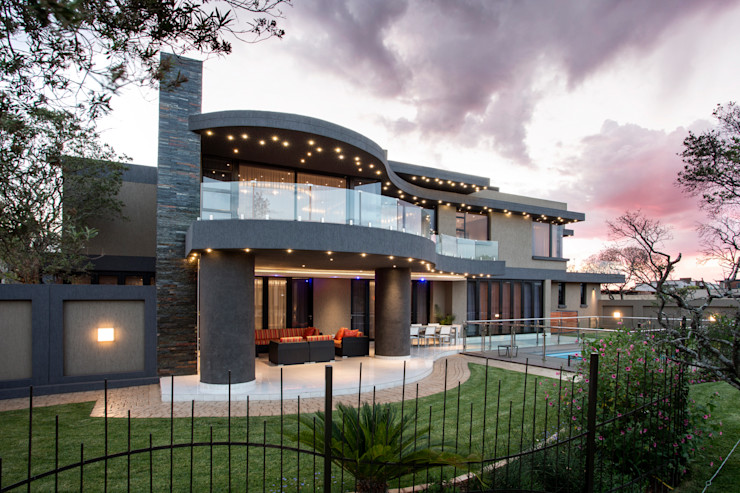 FRANCOIS MARAIS ARCHITECTS Rumah Modern