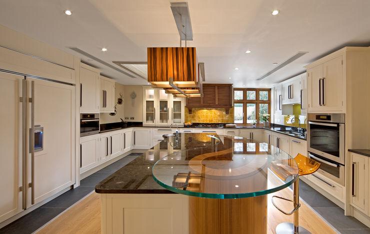 CC The Wood Works KitchenCabinets & shelves White