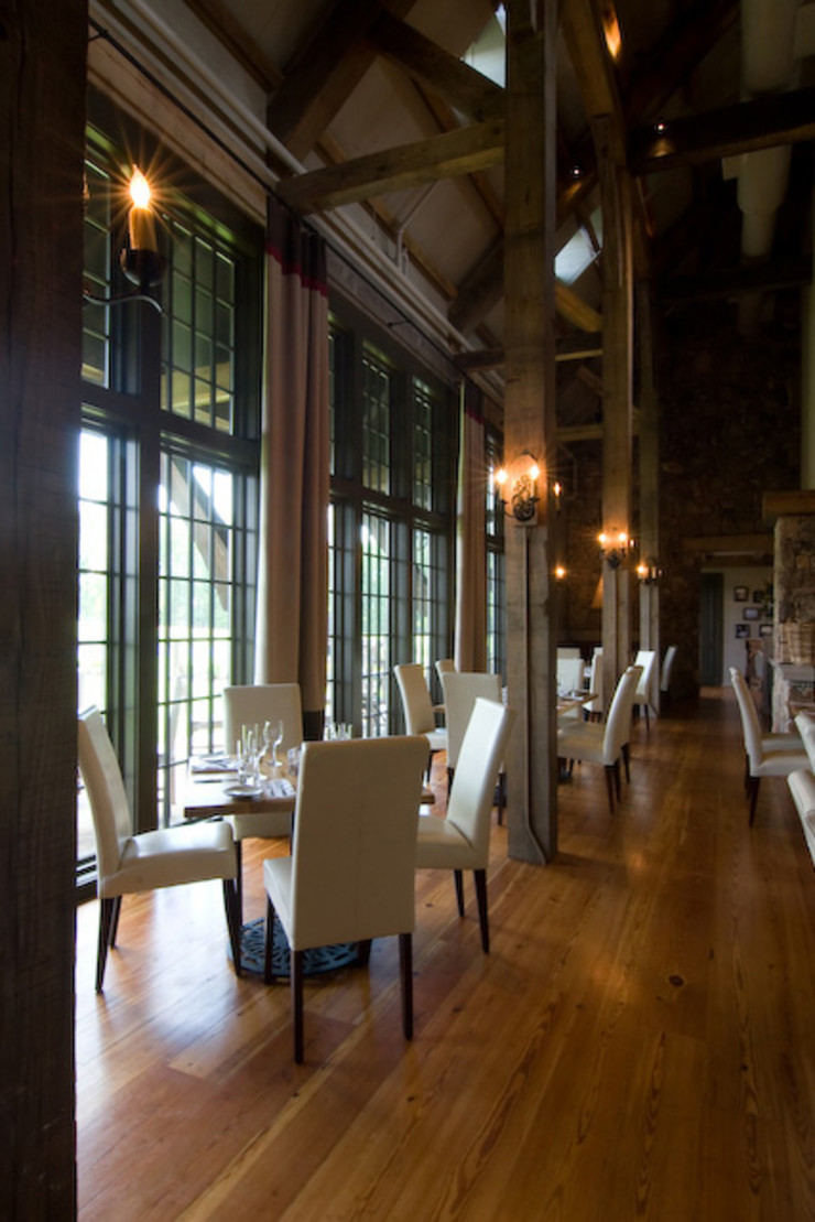 Jeffrey Dungan Architects Colonial style bars & clubs Wood Beige