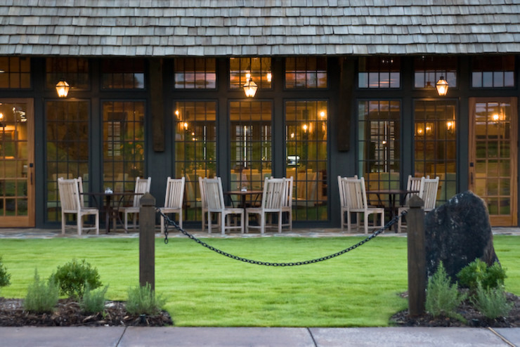 Jeffrey Dungan Architects Colonial style bars & clubs Glass Green