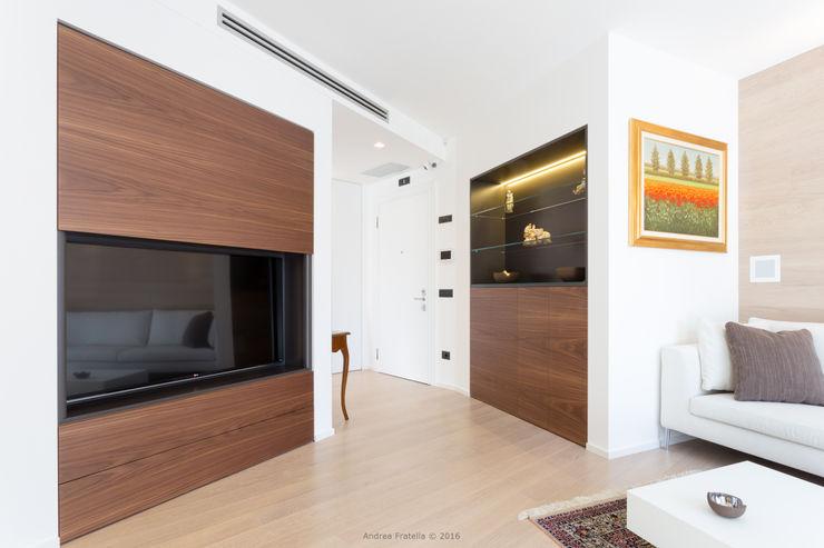 Lemayr Thomas Living room